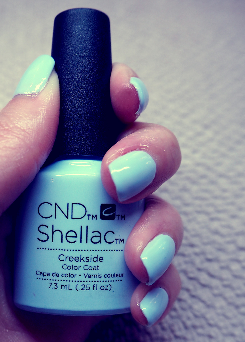 Blue Serenity nails by Nailfix : Vintage Guide by Joicy Muniz